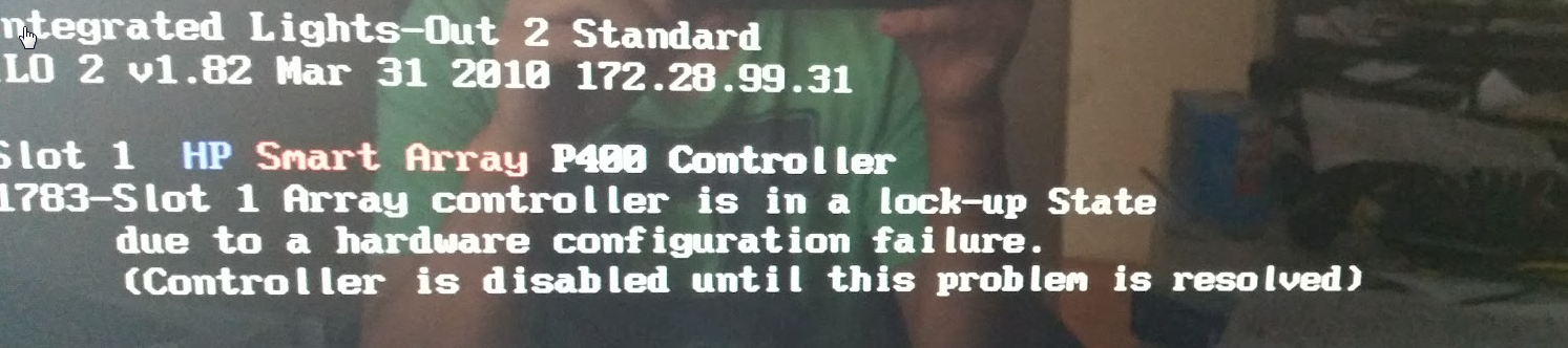DL380G ARRAY CONTROLELR IS IN LOCK-UP STATE error message