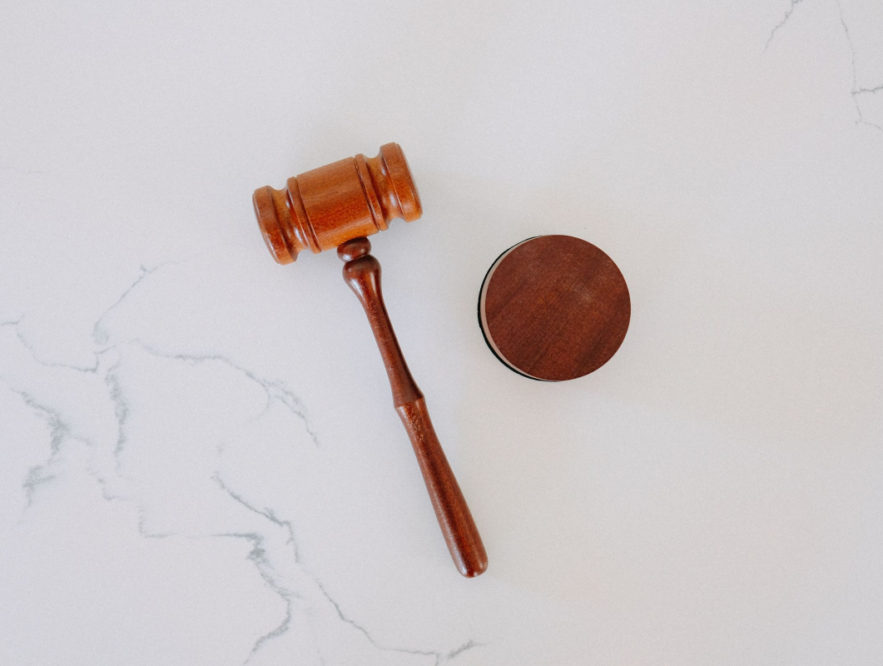 Business Legions 5 BEST TIPS ON HOW TO CHOOSE THE BEST LAWYER FOR YOUR CASE